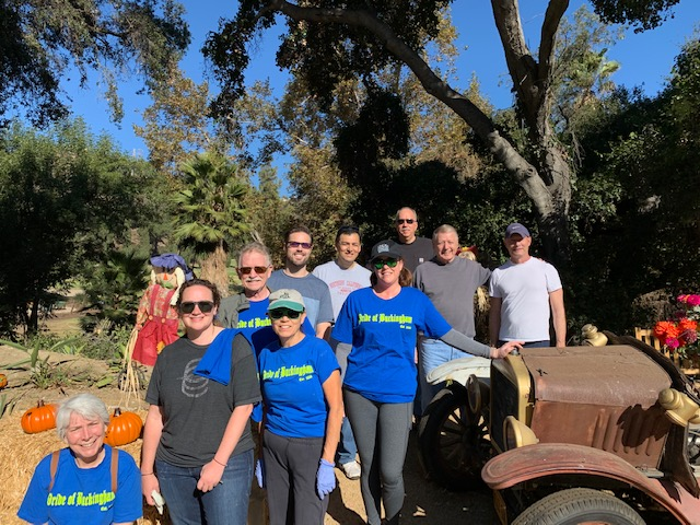 photo of canyon cleanup volunteers