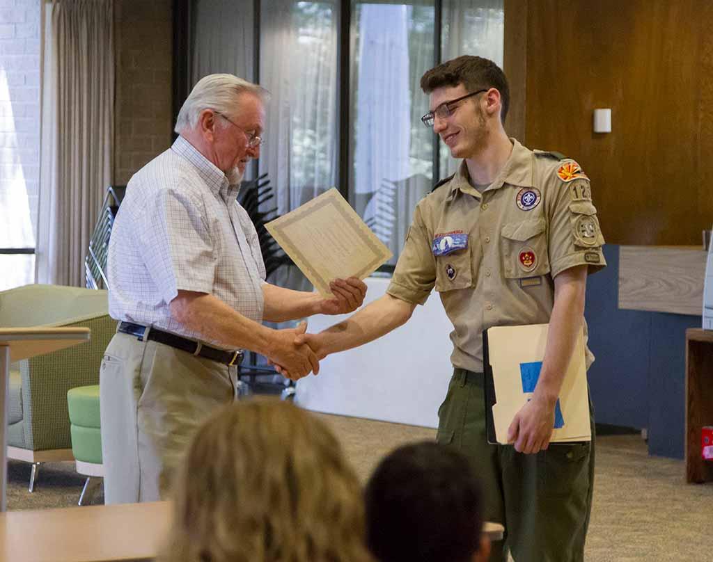 Bill Nichol honors Glendale Boy Scout